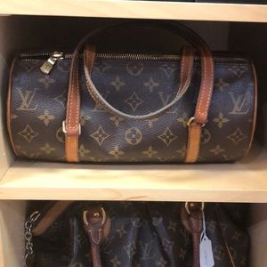 Super cute Louis Vuitton papillon